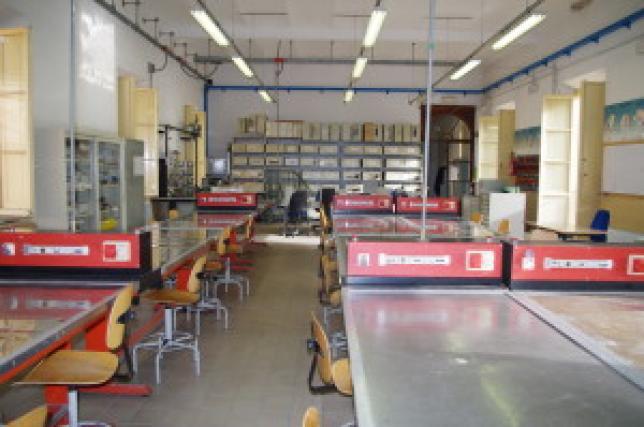 Laboratorio Elettotecnica Industriale 117