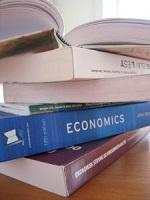 Lotta al caro-libri, è il mercatino dell'usato a salvare gli studenti